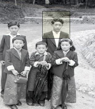 Lha-nga Tseten Namgyal (inset) on school holiday with his Tsarong cousins. Darjeeling-Kalimpong Road 1951.                                         (Photo courtesy: George Tsarong)