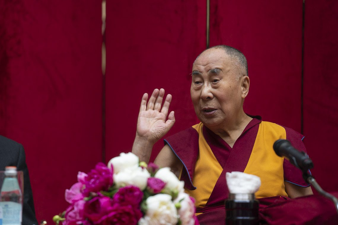 Dalai Lama concludes 4-day Vilnius visit thanking Seimas members for Tibet support