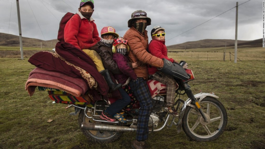 Discrimination seen in China's refusal of motorbike licence to Tibetan nomads