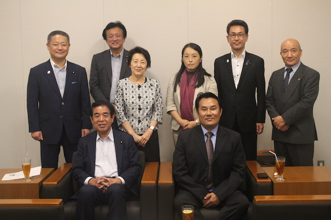 Health Kalon Choekyong Wangchuk with members of the Japanese Parliament at the Parliament hall in Tokyo, Japan, on July 5, 2018. (Photo courtesy: OOT Japan)
