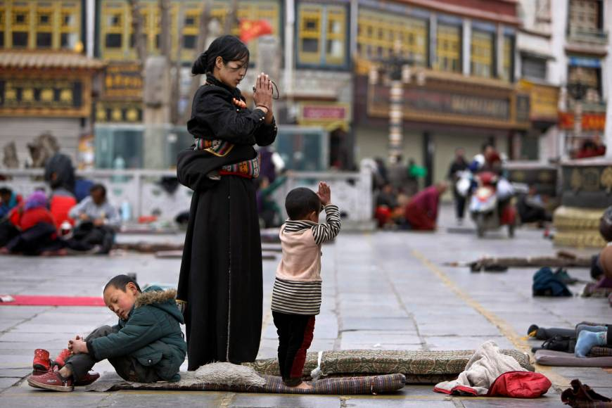 Poverty elimination goal targets impoverished Tibetans' religious freedom