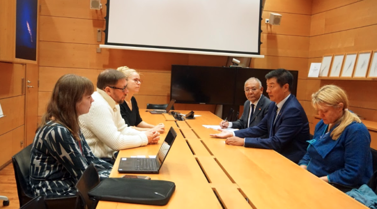 Exile Tibetan president meets with Finnish MPs