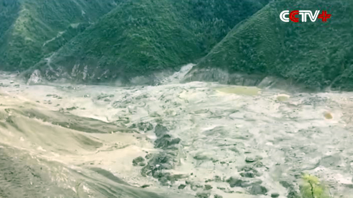 barrier lake formed by a landslide which blocked the Drichu (Chinese: Yangtze River) tributary of Jinsha River at Bolo Township of Jomda County in Tibet's Chamdo. (Photo courtesy: CCTV)