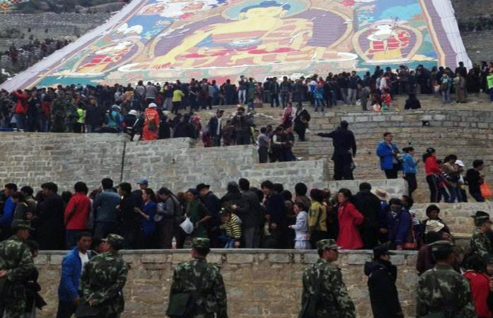 File photo: Chinese security forces at Drepung monastery outside Lhasa, Aug. 5, 2013. (Photo courtesy: RFA)