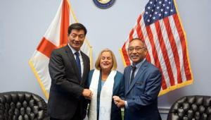 CTA President Dr Lobsang Sangay and Representative Ngodup Tsering, Office of Tibet, DC with Congresswoman Ileana Ros-Lehtinen, 14 November 2018. (Photo courtesy: TIBET.NET)
