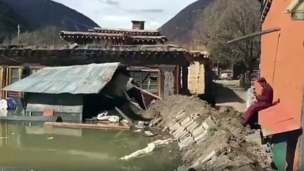 The barrier lake formed as a result of landslides over the Drichu (Chinese: Jinsha River) on Oct 11 and again on Nov 3 had submerged a Tibetan Buddhist Monastery in Jomda (Jiangda) County of Chamdo City. (Photo courtesy; RFA)