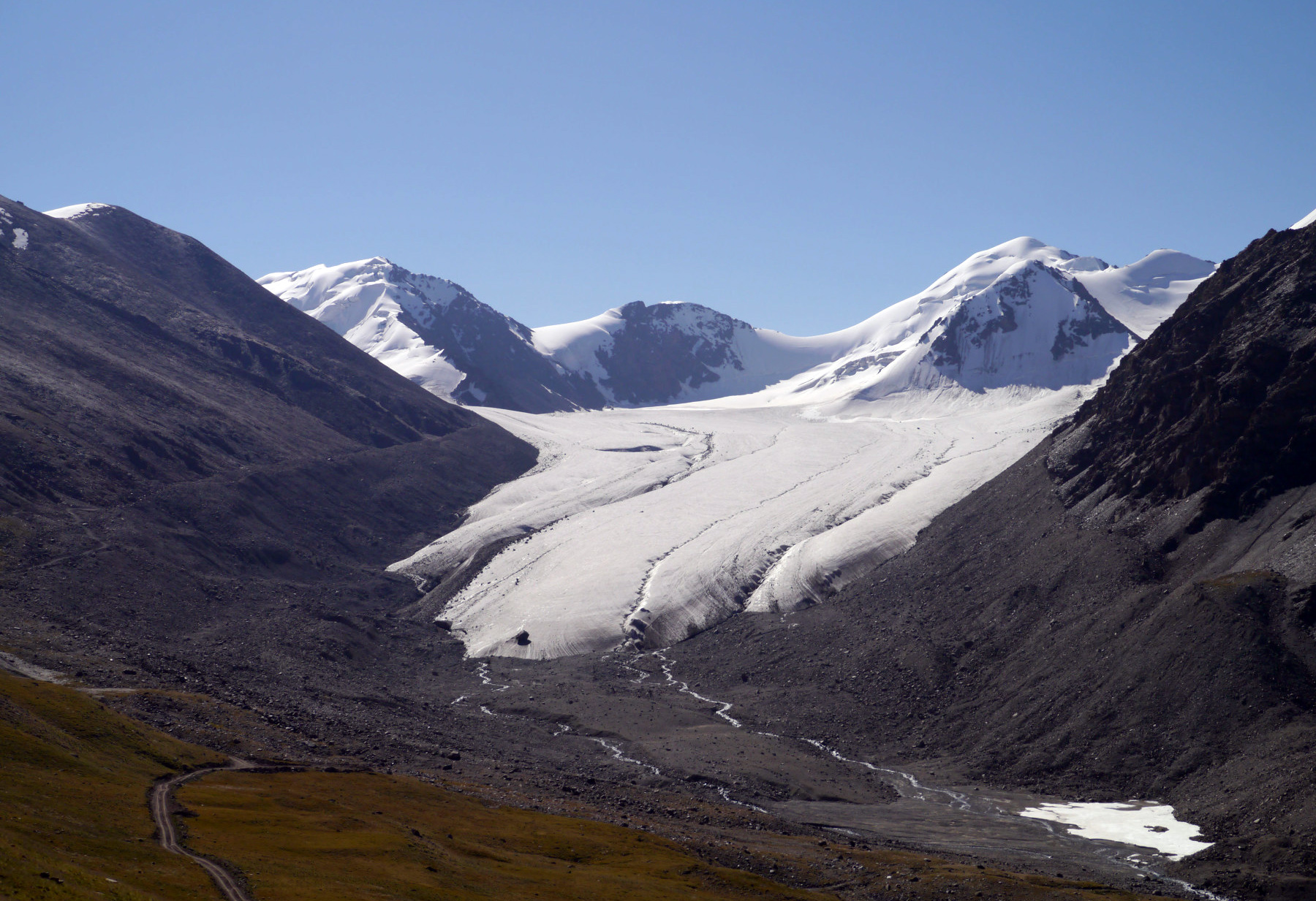Melting Tibet glaciers may lead to climate refugees in downstream countries