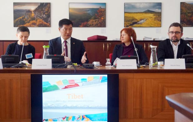 Exile Tibetan leader suggests autonomy as solution for Tibet's environmental crisis