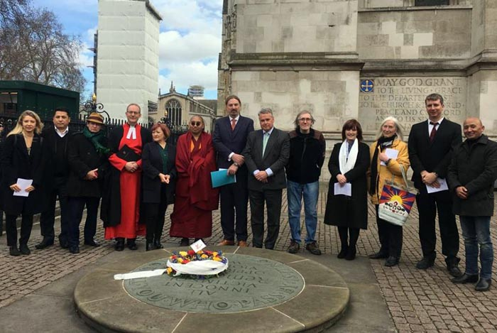 Wreath-laying and flag-raising events held in UK for 60th Tibet uprising day