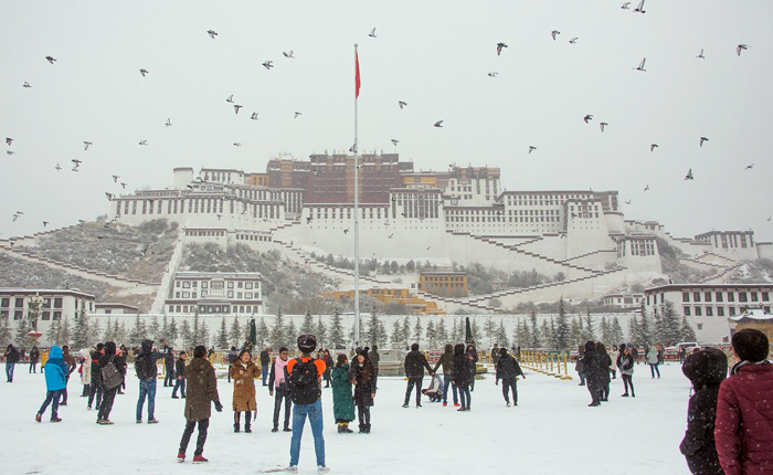 China reports record winter tourist arrivals in Tibet