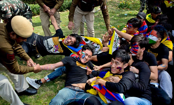 150 Tibetans let off after being held for protesting outside Chinese embassy, New Delhi