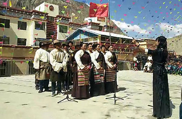 Poverty eradication in Tibet conditional on beneficiaries' allegiance to communist party leadership