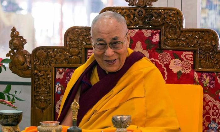 Dalai Lama web-streams to overcome barriers of age and politics
