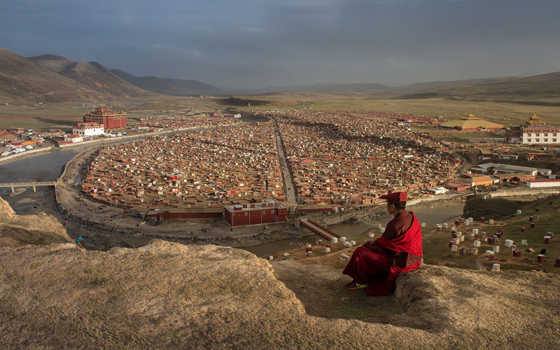 China said to have resumed expulsions, demolitions at sprawling Tibetan monastic centre