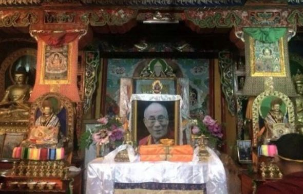 China punishes Tibetans for displaying Dalai Lama pictures at home