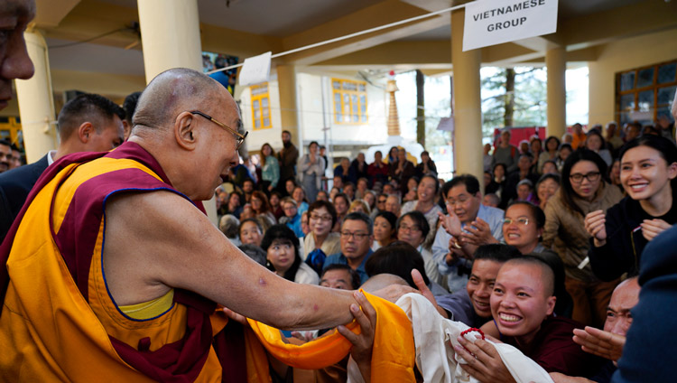 Over 7500 attending three-day religious teaching by Dalai Lama