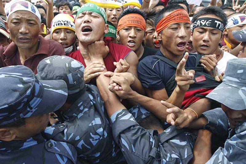 22 Tibetans, rights activists held ahead of Chinese President's arrival in Nepal