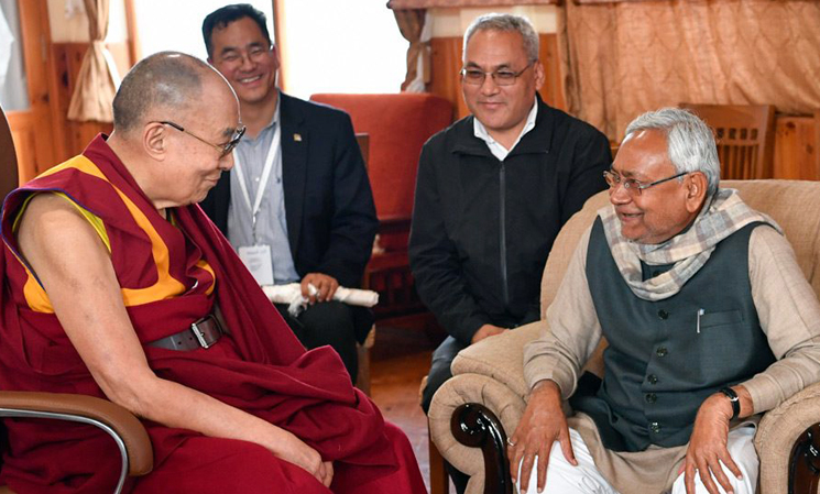Dalai Lama meets with Bihar Chief Minister, addresses devotees from SE Asia