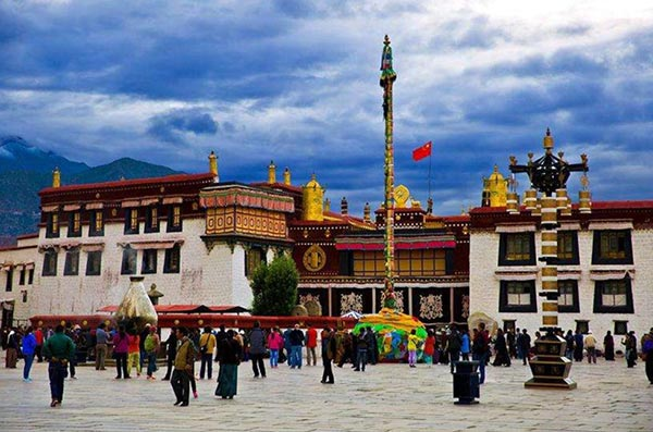 Lhasa Tibetan children ordered to keep away from religion during winter break