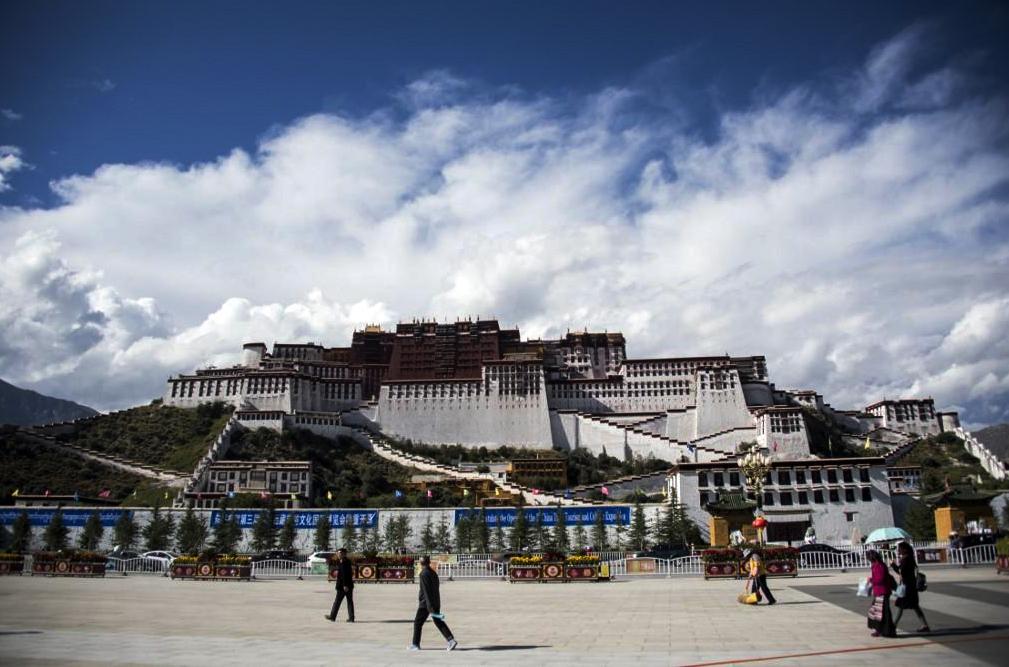 China shuts down Potala palace as Wuhan coronavirus continues its rapid spread