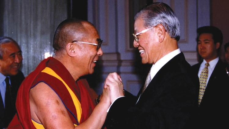 Dalai Lama expresses condolences for Taiwan democracy pioneer's death