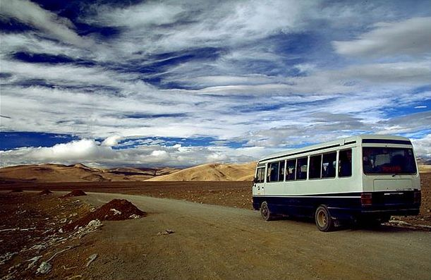 70% of townships, 47% of villages in 'Tibet' said to have bus service