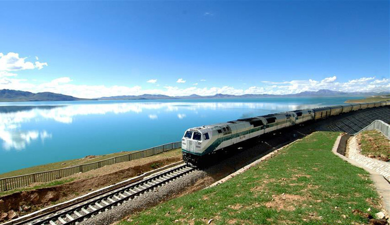 China to complete a Golmud-Korla extension of Qinghai-Tibet Railway by yearend