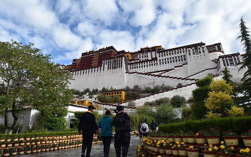 China reopens Tibet's Potala palace for tourists
