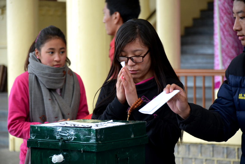 Exile Tibetans given further opportunity to register to vote for their 2021 general election